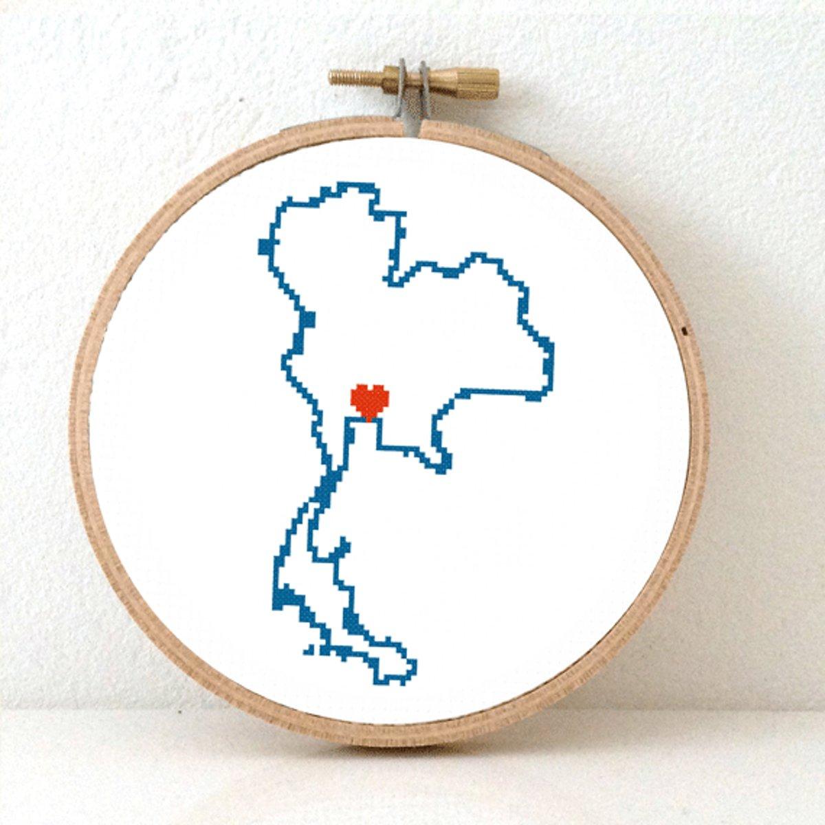 Thailand borduurpatroon - geprint telpatroon om een kaart van Thailand te borduren met een hart voor Bangkok  - geschikt voor een beginner kopen