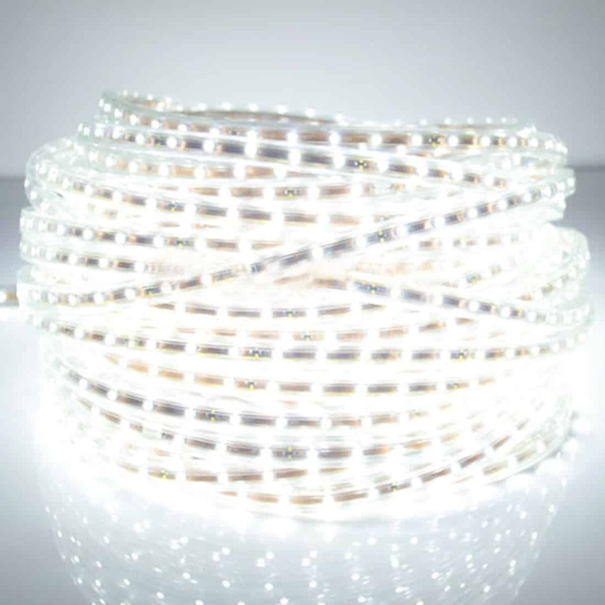 Behuizing Waterdichte LED-lichtstrook, Lengte: 5 m, Waterdichte IP65 SMD 5730 LED-lamp met stekker, 120 LED / m, AC 220V (wit licht) kopen