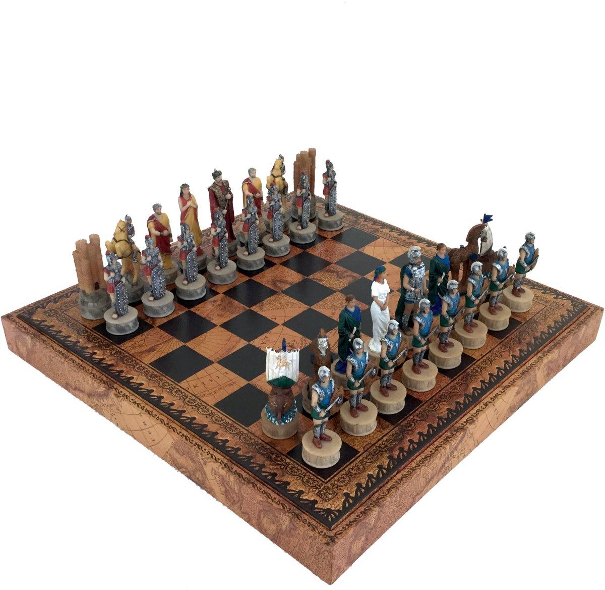 Luxe schaakset - Handbeschilderde Trojaanse schaakstukken + schaakbord en opbergbox in een met wereldkaartprint (+ backgammon) - 35 x 35 cm
