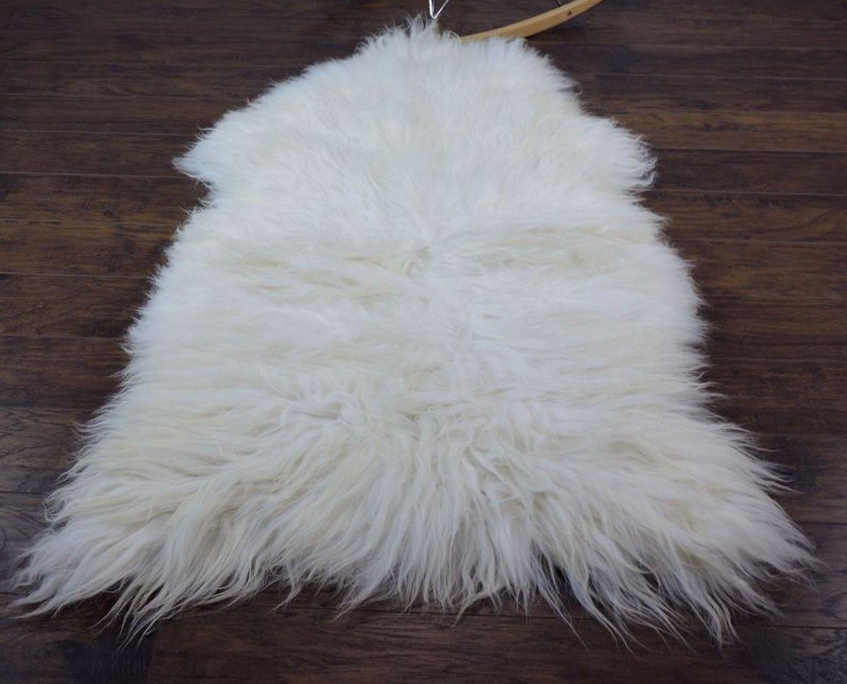IJslandse Lamsvachtje WIT - 125 x 70 cm - Zeer Lang Haar - 100% ECHT - Schapenvachtje Vloerkleed - Lam Huid kopen