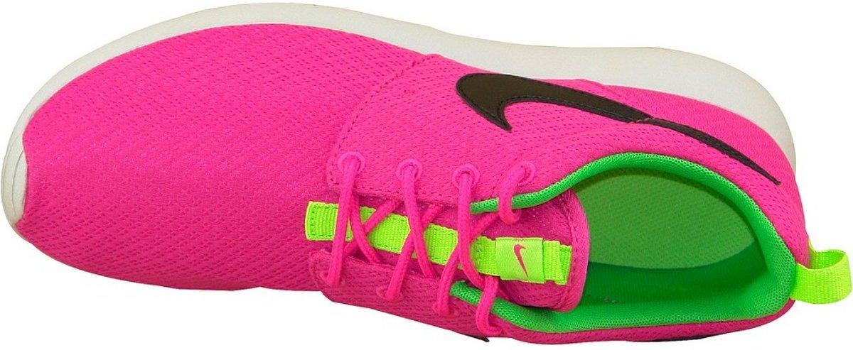 pretty nice c4162 b3041 bol.com | Nike Rosherun Gs 599729-607, Vrouwen, Roze, Sportschoenen maat:  38.5 EU