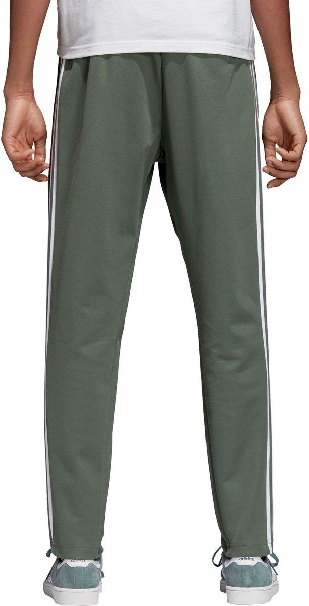 a967c01fbde bol.com | adidas BB Trackpants Heren Sportbroek - Maat M - Mannen -  groen/wit