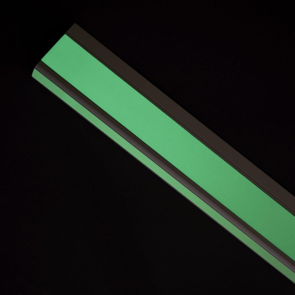 Fotoluminescerend trapprofiel egaal, montage dmv dubbelzijdig tape kopen