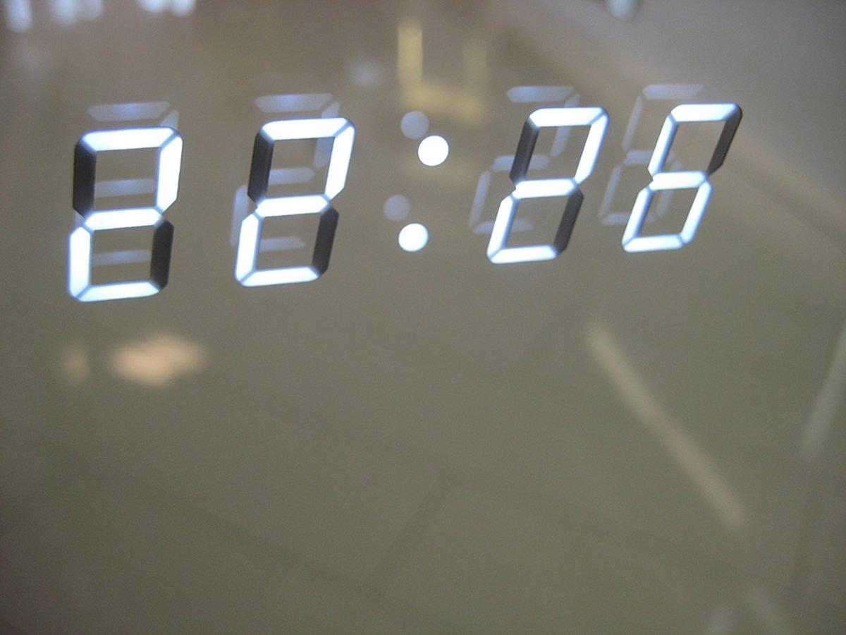 Verwarmde Spiegel Badkamer : Bol badkamer led spiegel met digitale klok en verwarming cm