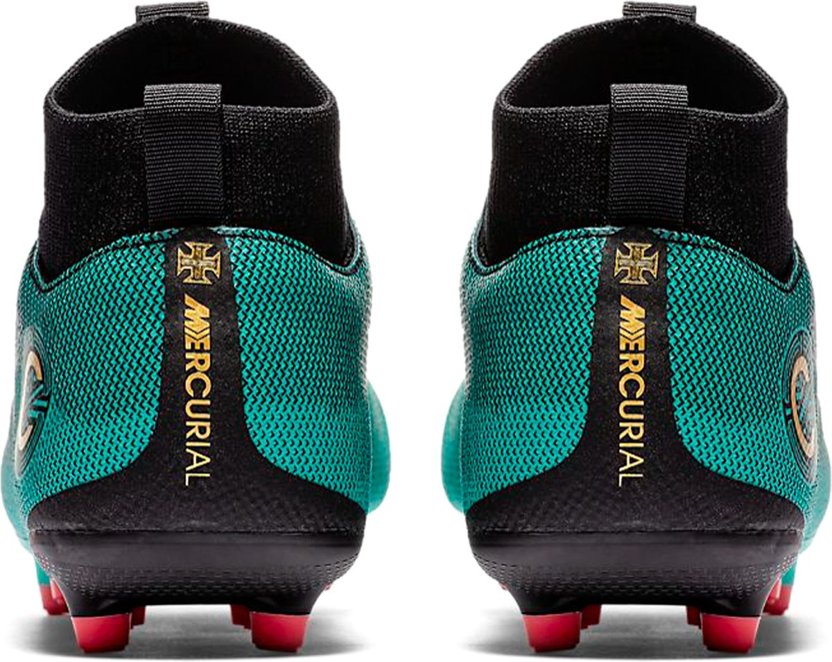lowest price 9cd90 fff94 bol.com  Nike Mercurial Superfly VI Academy CR7 DF MG Voetbalschoenen -  Maat 36 - Unisex -.