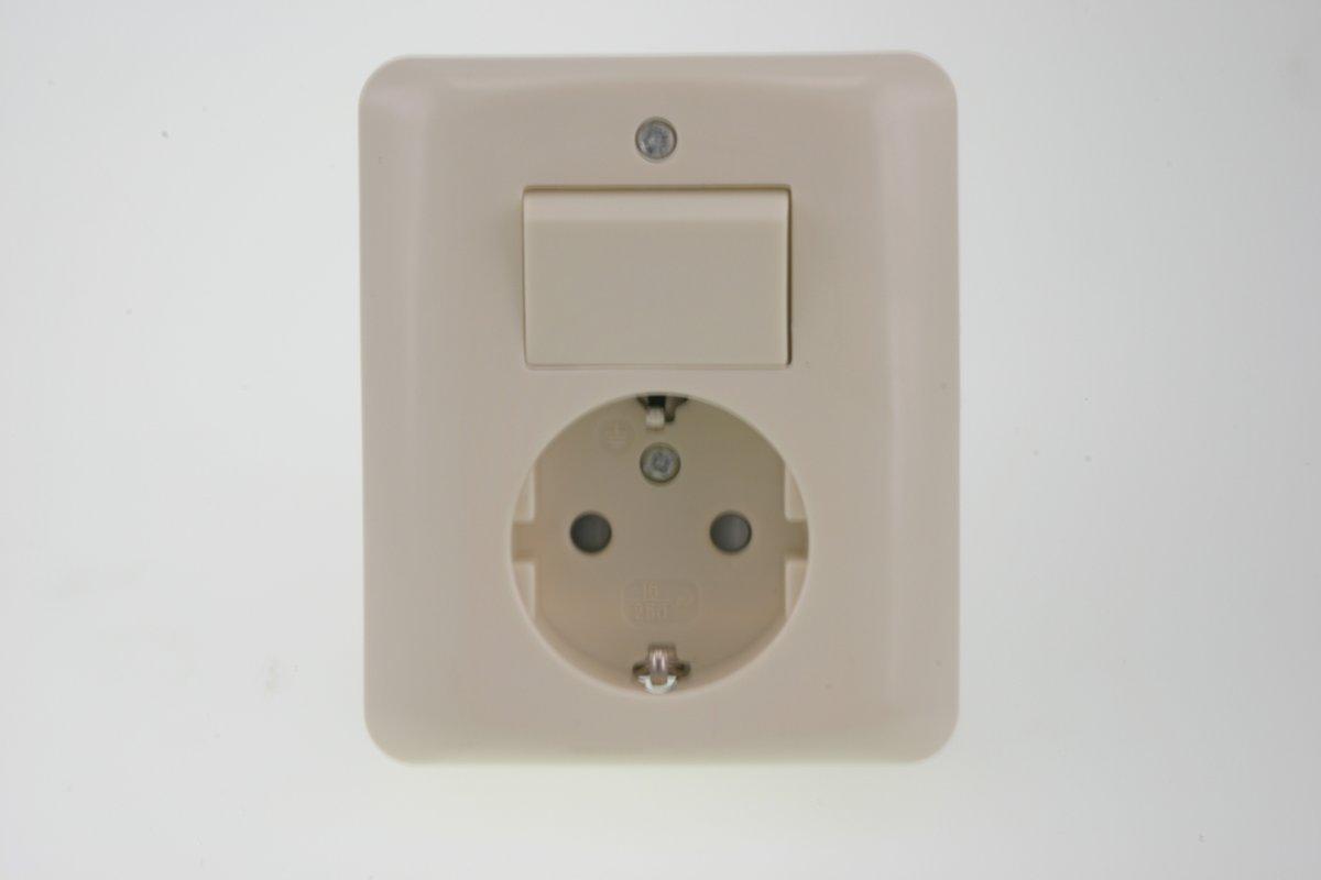 bol.com | Uni Inbouw Combinatie - Stopcontact en Schakelaar - Wissel ...