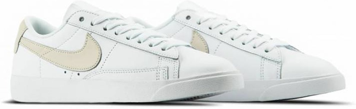   Nike Dames Sneakers W Blazer Low LE Wit Maat