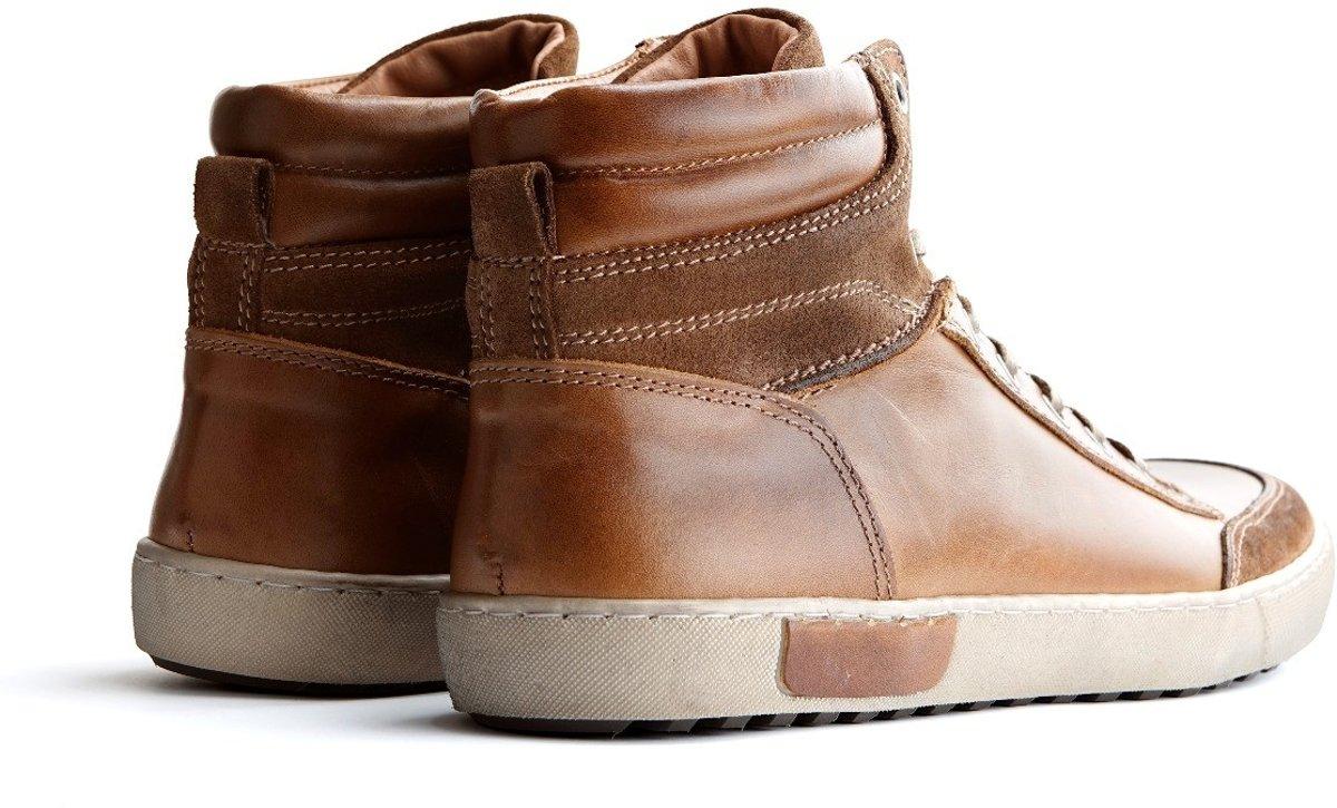 nike schoenen van leer of nepleer