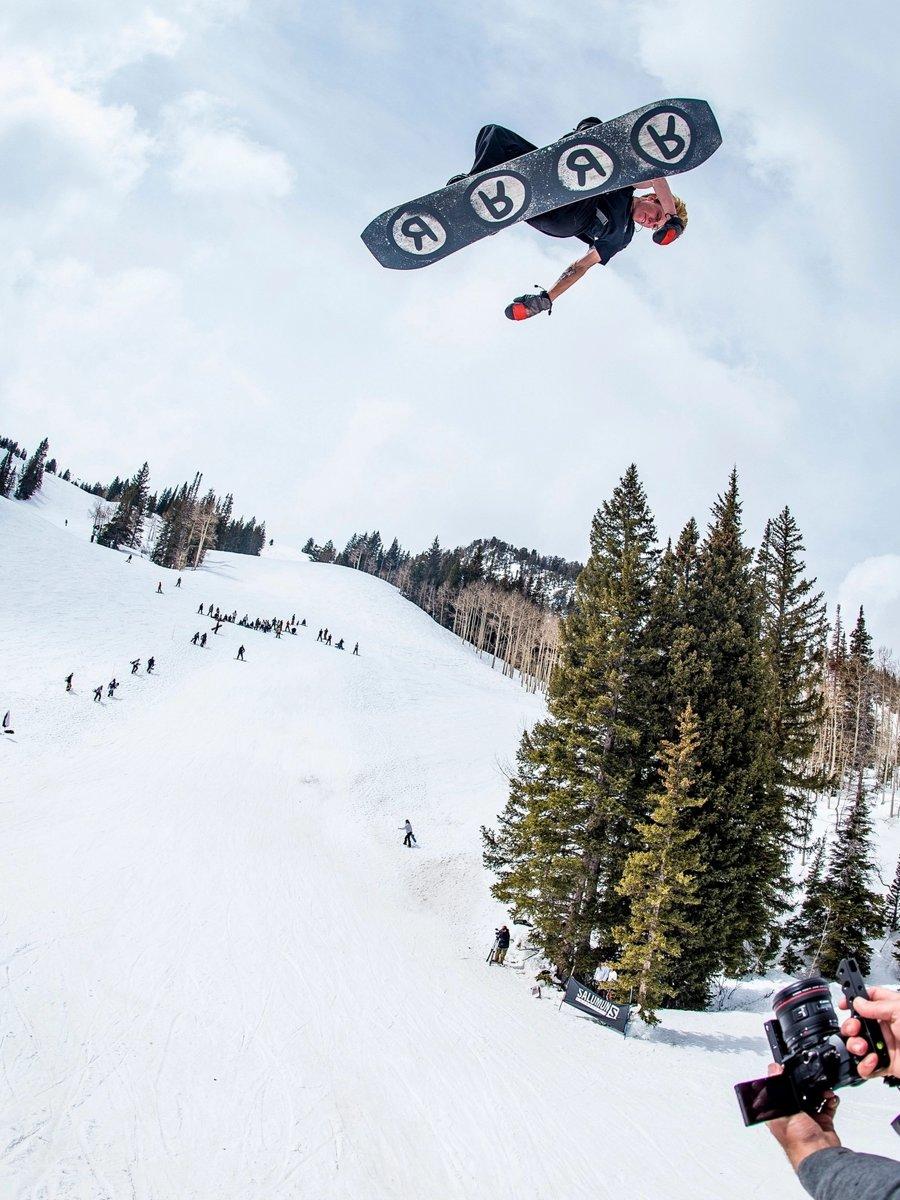 TWINPIG Snowboard | RIDE Snowboards