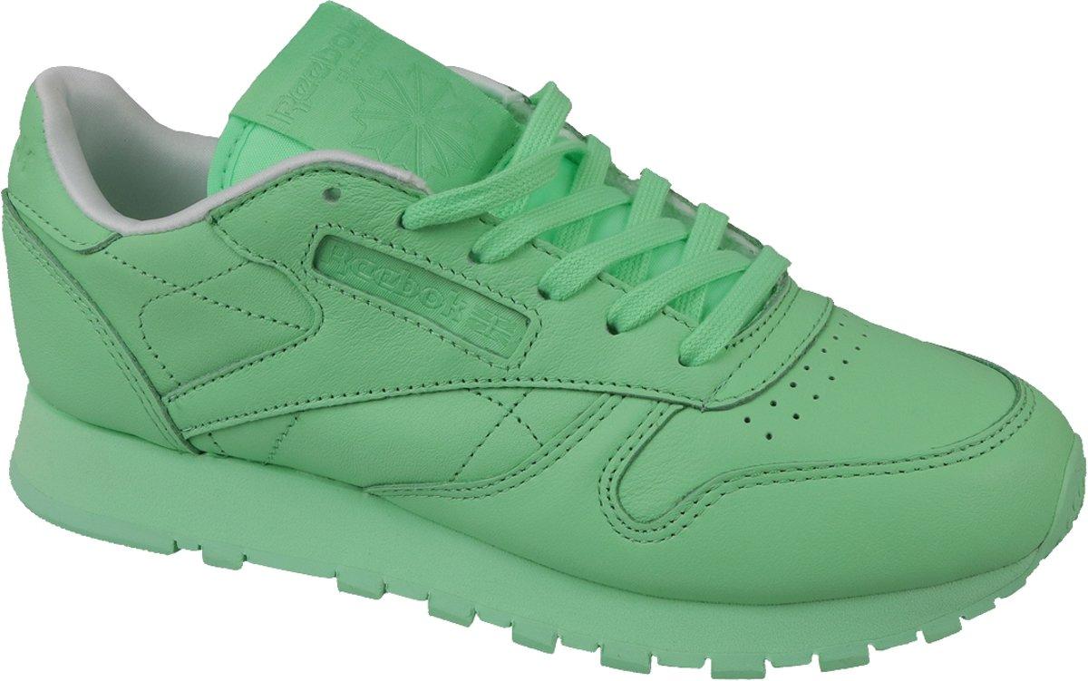 5bb42b76baf bol.com | Reebok x Spirit Classic Leather BD2773, Vrouwen, Groen, Sneakers  maat: 39 EU
