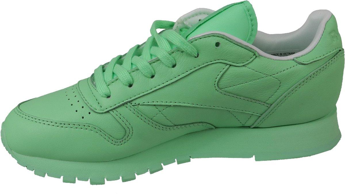 013144b9d76 bol.com | Reebok x Spirit Classic Leather BD2773, Vrouwen, Groen, Sneakers  maat: 39 EU