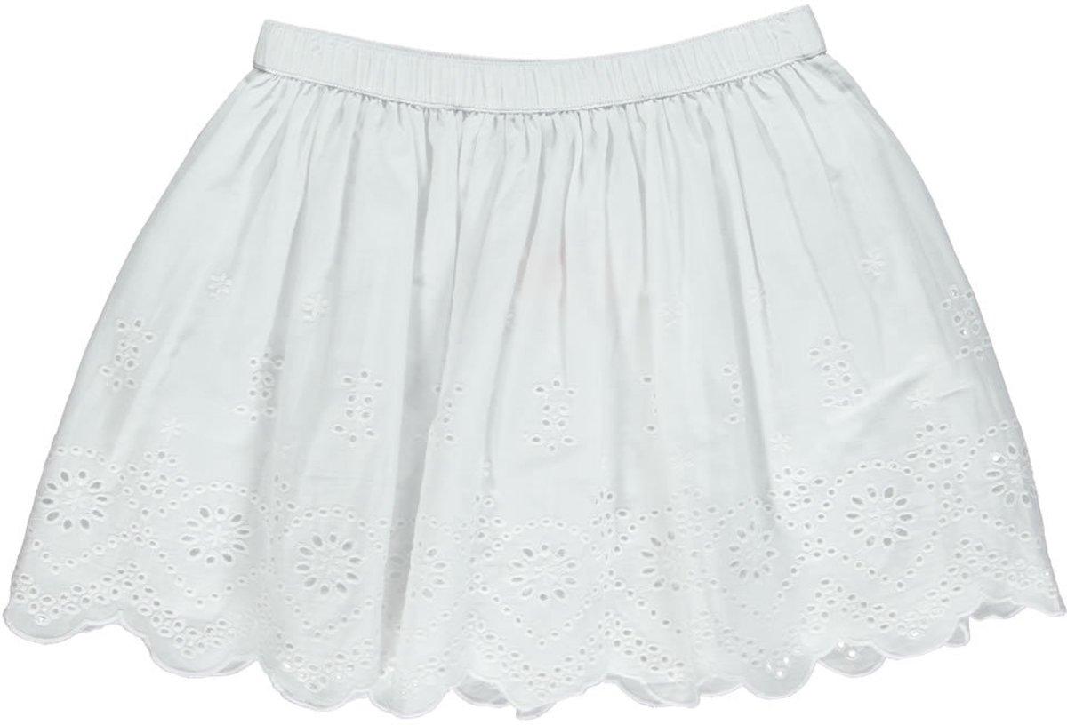 witte rok meisje