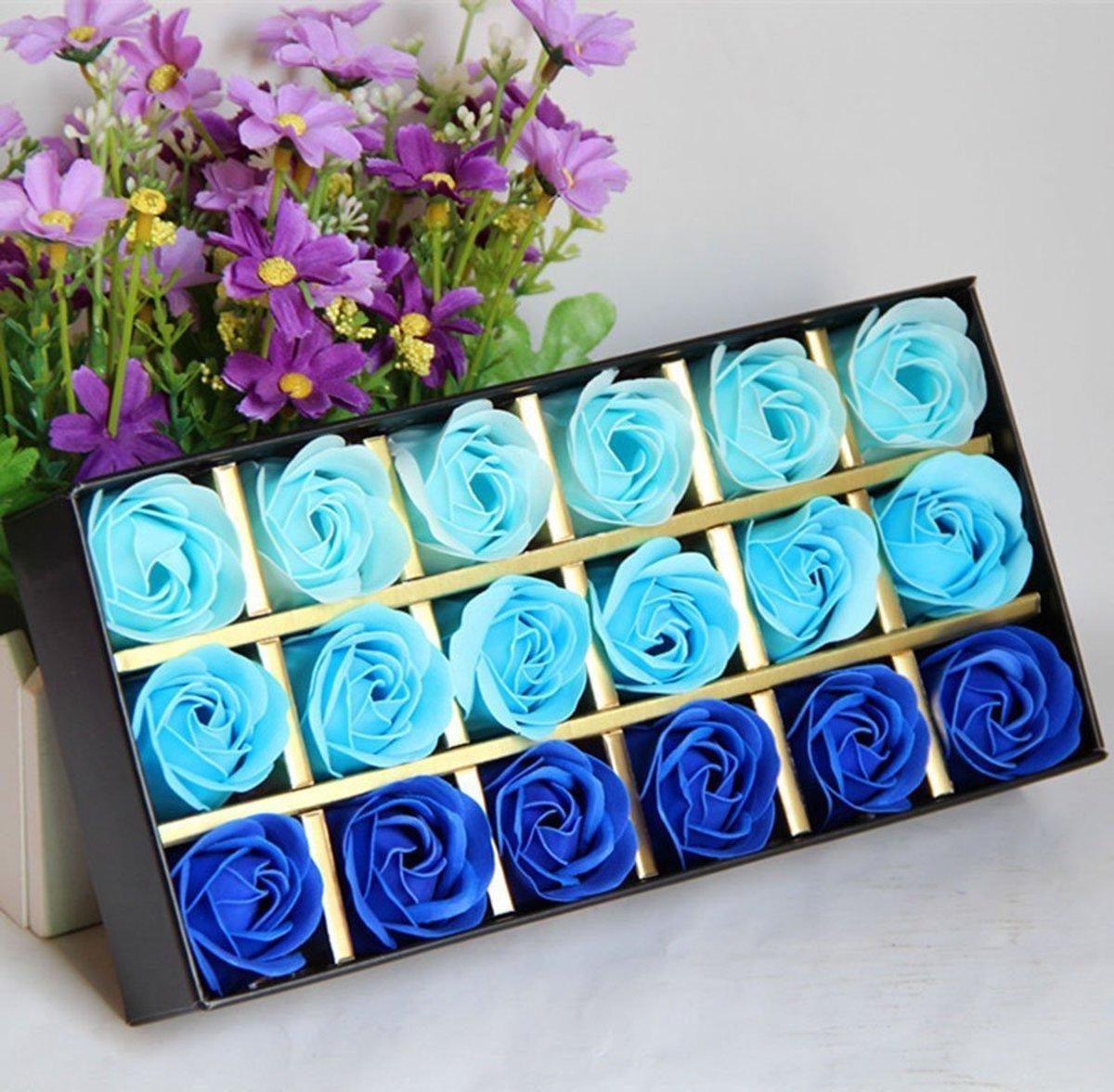 18 Rozen Zeepjes Blauw | Origineel Cadeau voor haar, perfect cadeau voor valentijnsdag, verjaardagen kopen