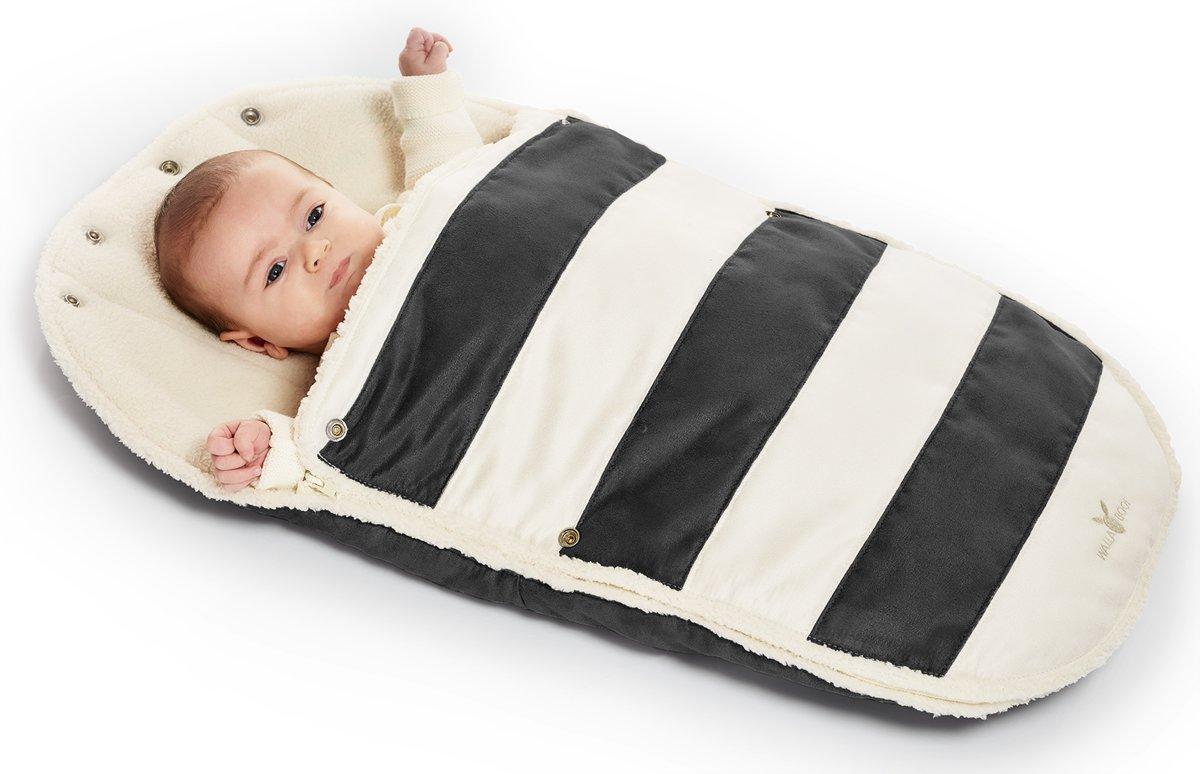 Wallaboo voetenzak - geschikt voor elke autostoel - voor 0 tot 12 maanden - Zacht imitatie suède en bont - Met capuchon en afritsbare bovenkant - Kleur: Zwart gestreept kopen