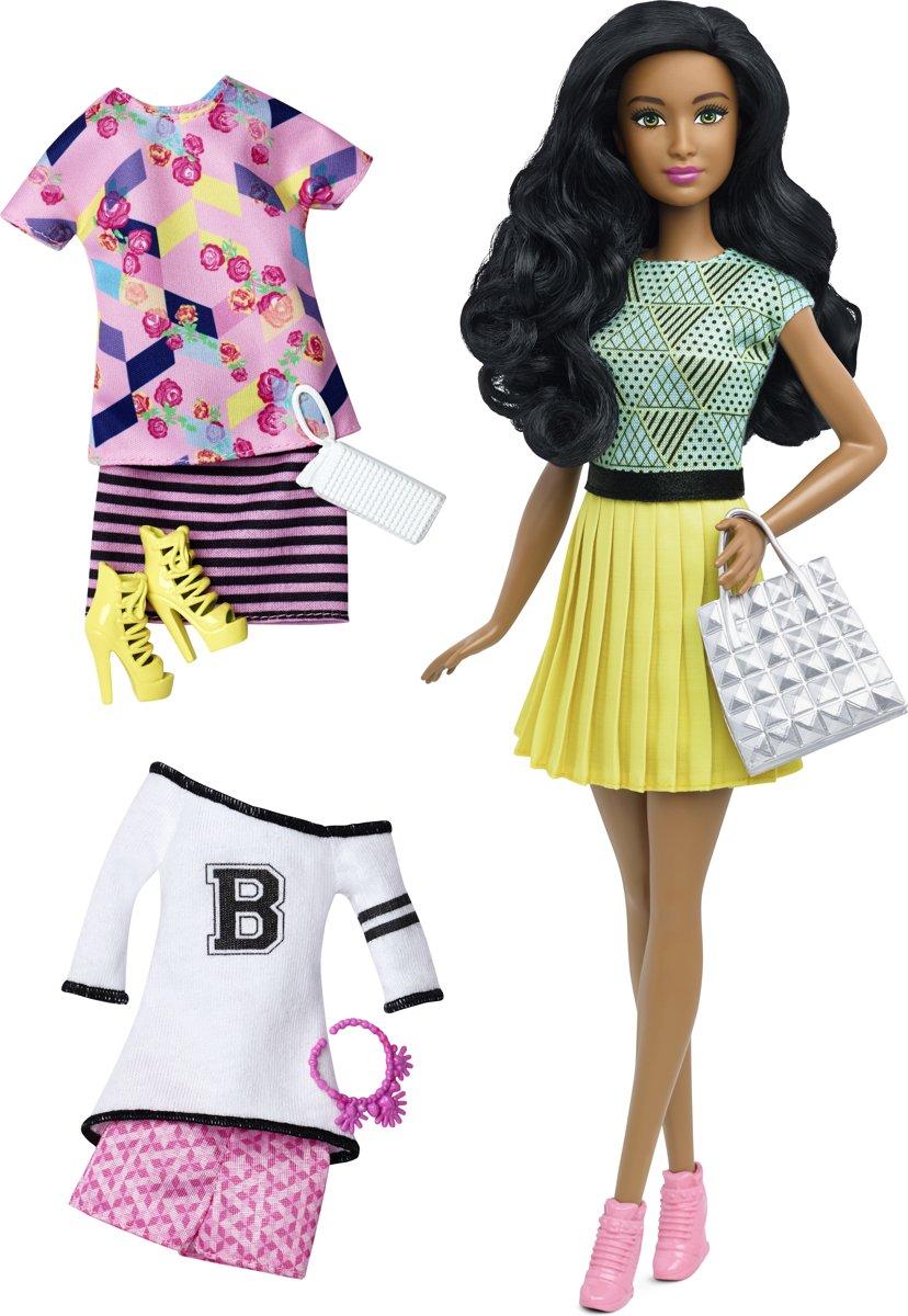 Barbie Fashionistas Fashion Gift Set 4 - Barbiepop met 3 outfits