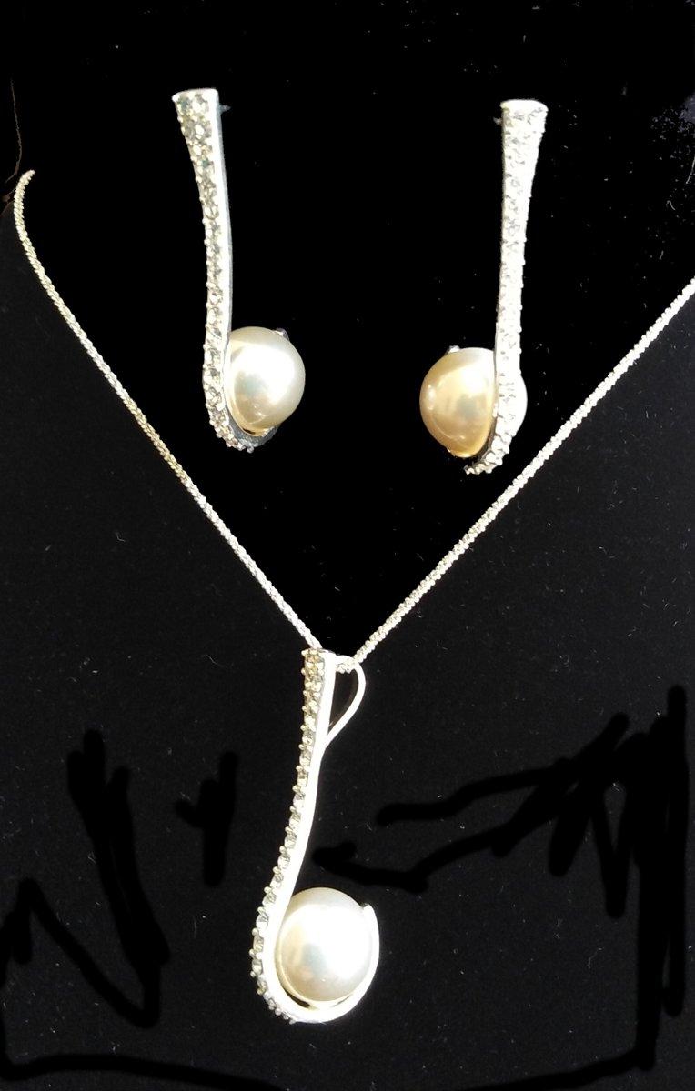 Schitterende sieraden set met parels en Zirconia's kopen