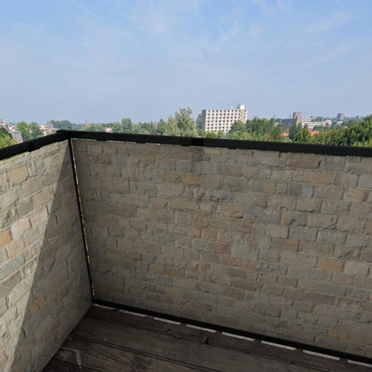 Balkonafscheiding gemengde stenen (300x90cm Enkelzijdig)