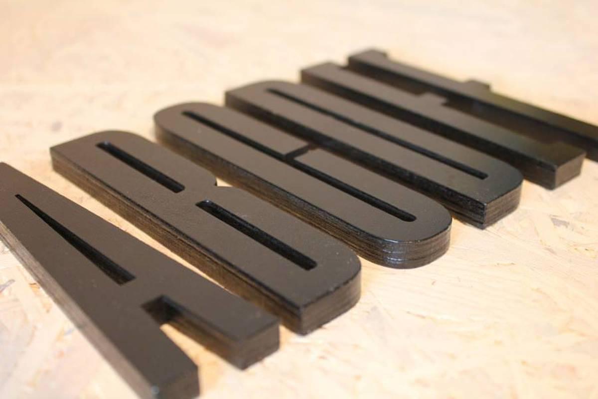 Houten Letters Kinderkamer : Bol design letters houten letter zwart s