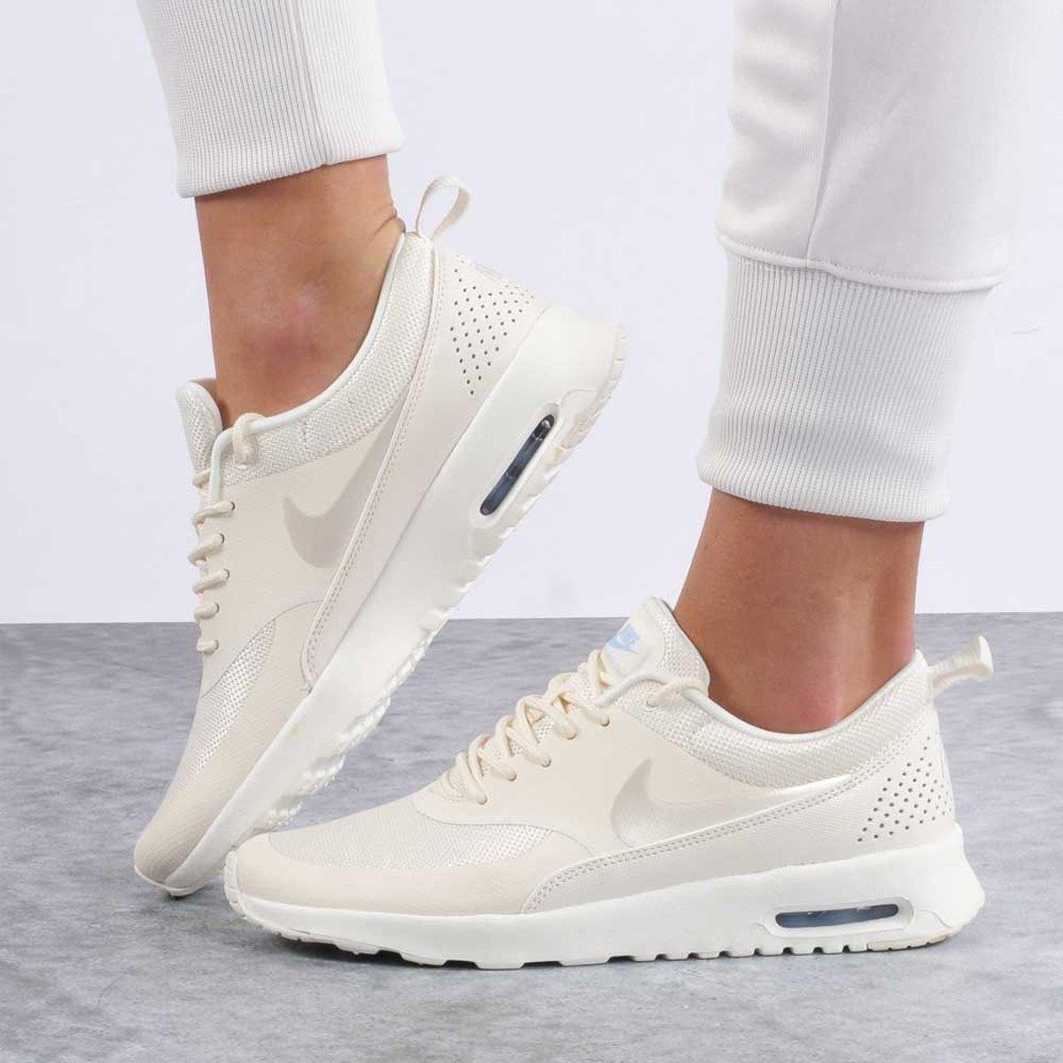   Nike Air Max Thea sneakers dames creme
