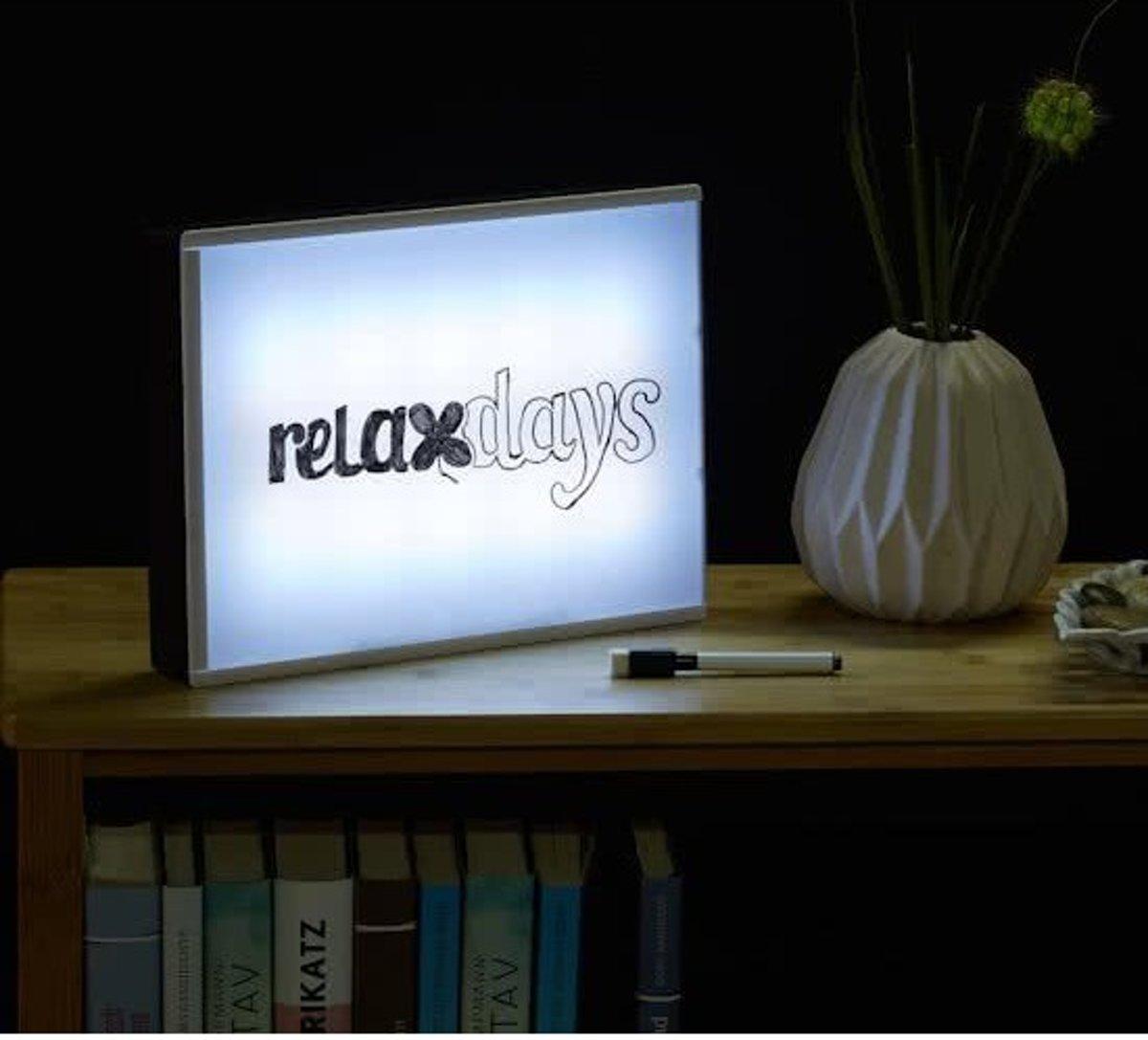 Relaxdays    LED lightbox A4   Lichtbak   LED LIGHT BOX   Lichtkrant set   Folie - Light Box    Letters en Tekst schrijven op Lamp    Afm. 22 x 30 Cm. kopen