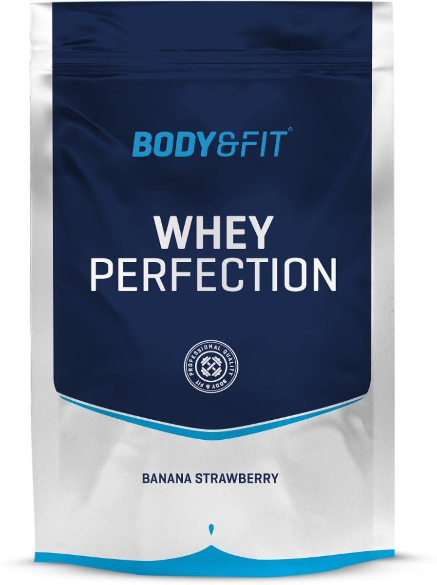 Foto van Body & Fit Whey Perfection - Eiwitpoeder / Eiwitshake - 750 gram - Banana Strawberry Milkshake