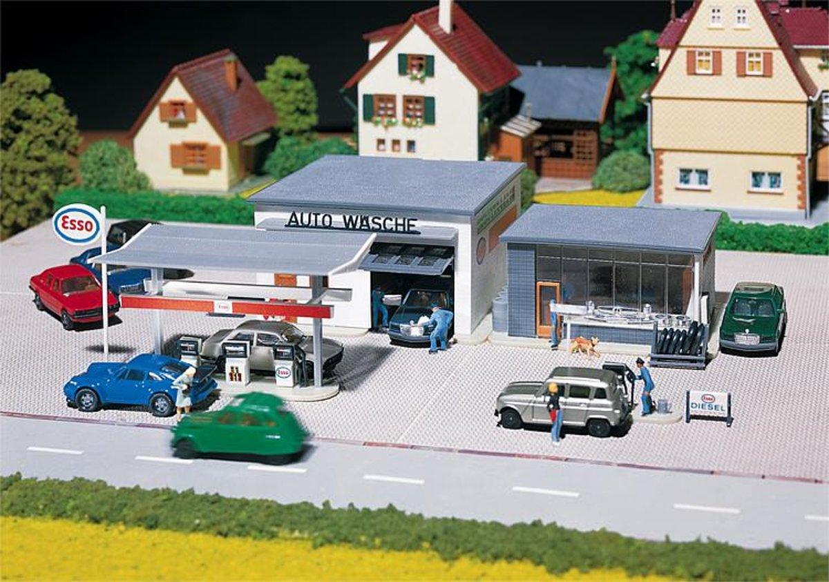 Faller - Pompstation met autowasserij