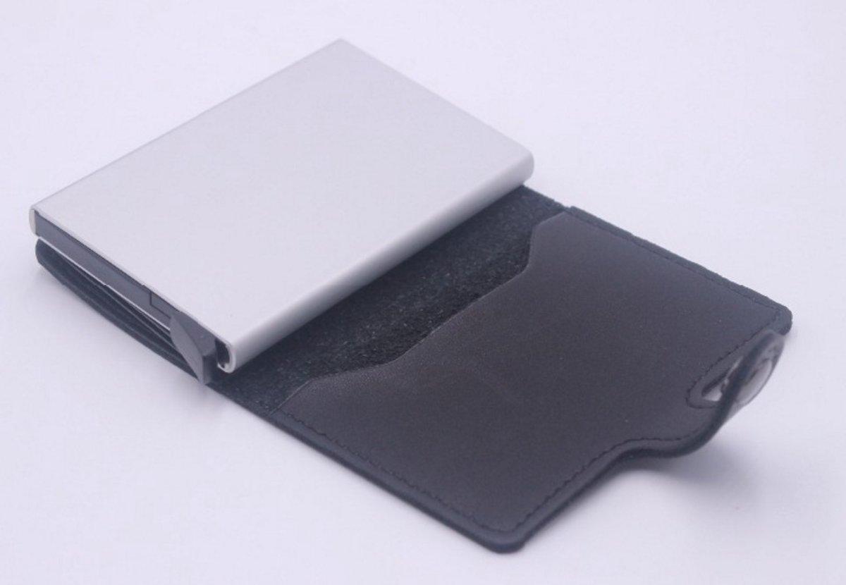 181c12eb709 bol.com | Creditcard kaart houder zwart leren pasjes portemonnee aluminium