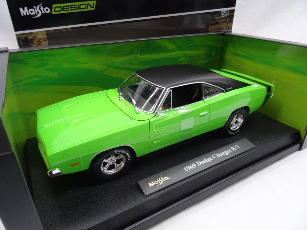 Dodge Charger R/T 1969 Groen 1-18 Maisto Design Serie