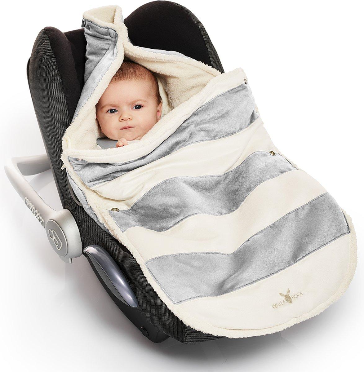 Wallaboo voetenzak - geschikt voor elke autostoel - voor 0 tot 12 maanden - Zacht imitatie suède en bont - Met capuchon en afritsbare bovenkant - KLeur: zilver gestreept kopen