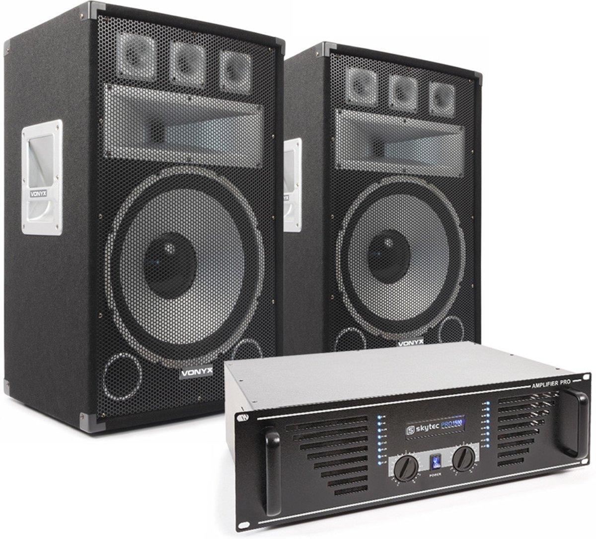 """Vonyx TX15 Speakerset 15"""" 2000W met SkyTec PRO1500 versterker kopen"""