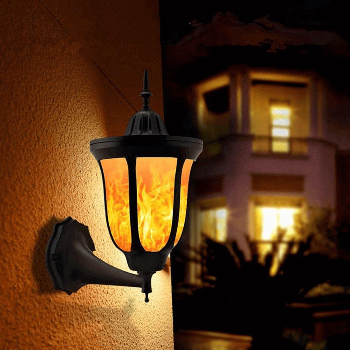 Solar wandlamp Pieck met vlameffect en schemersensor