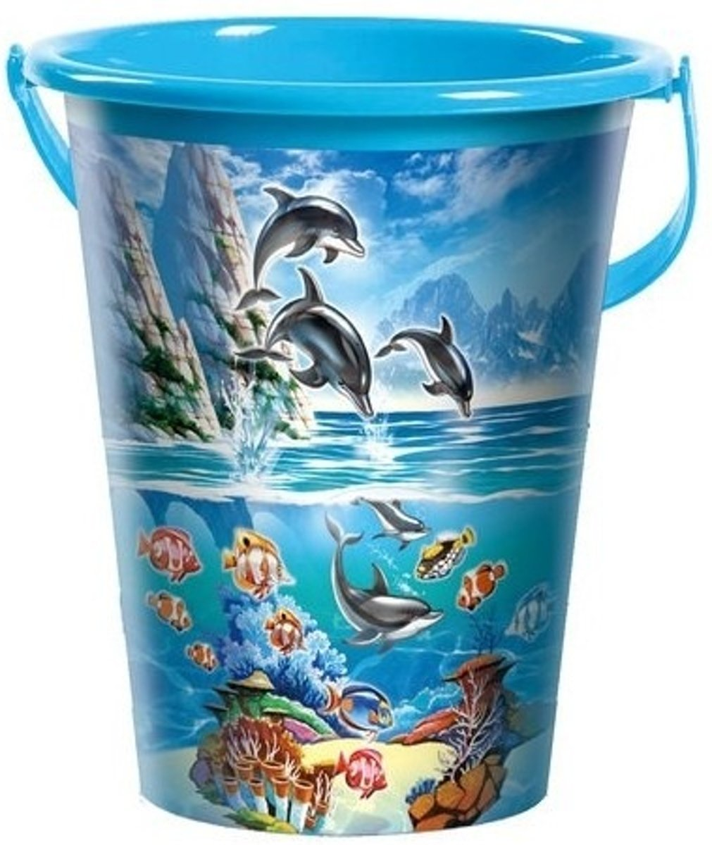 Grote blauwe speelgoed strandemmer oceaandieren