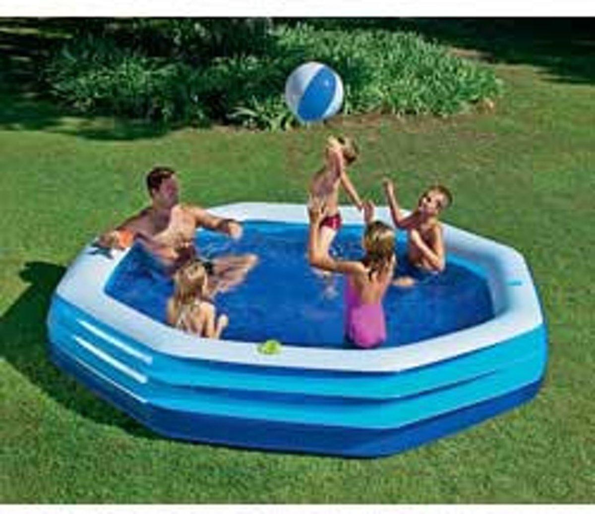 8 hoekig lounge zwembad summer time