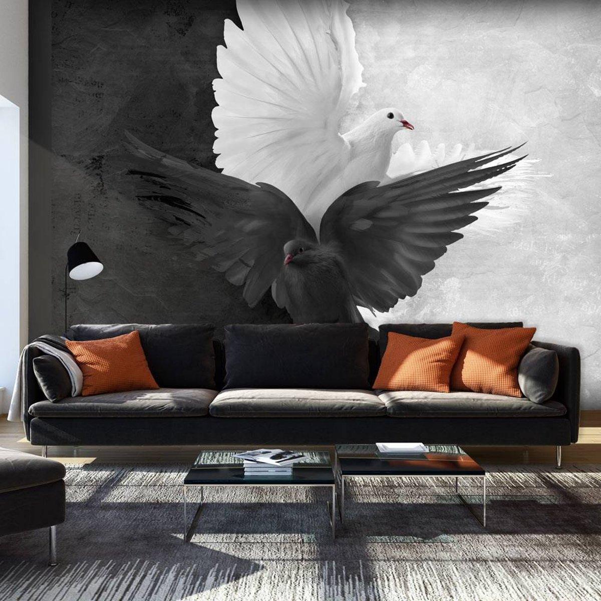 Fotobehang - Goed versus Kwaad, duiven , zwart wit kopen