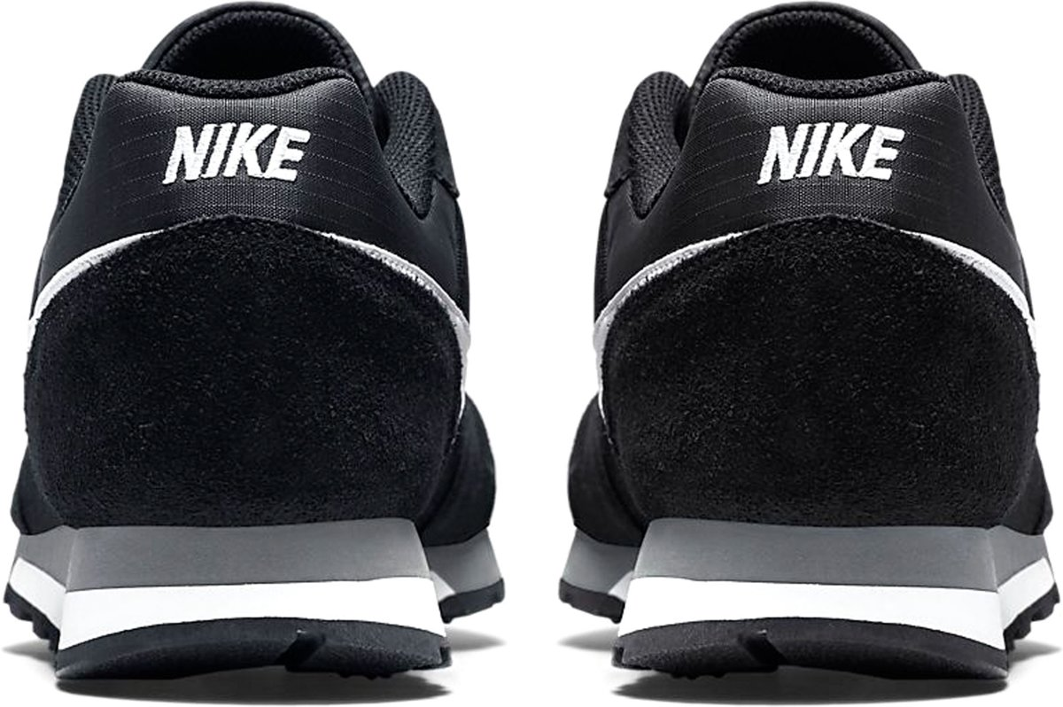 04fc13adf3ac9d bol.com | Nike Md Runner 2 Sneakers Heren - Black/White-Anthracite