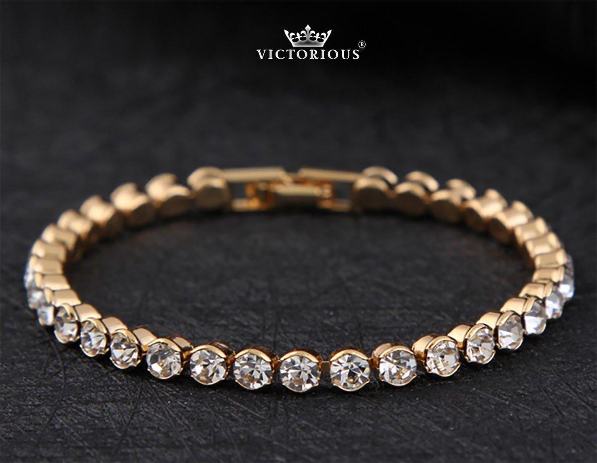 Victoria – Goudkleurige Kristalarmband – Zirkonia Kristallen – Gepolijste Stenen – Eenvoudige Sluiting – Geschikt voor pols met omtrek van: +/- 14/15 cm