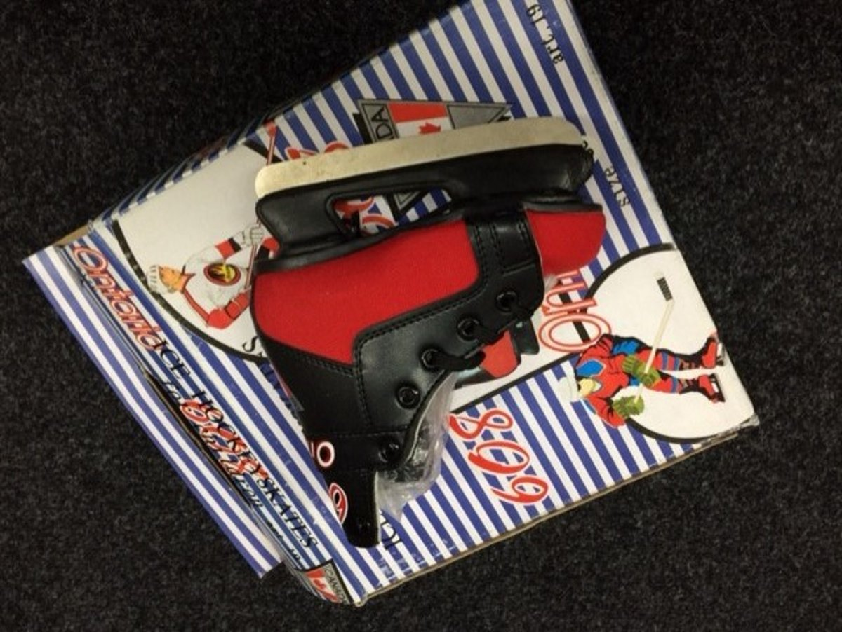 Ontario ijshockeyschaats zwart/rood mt 29