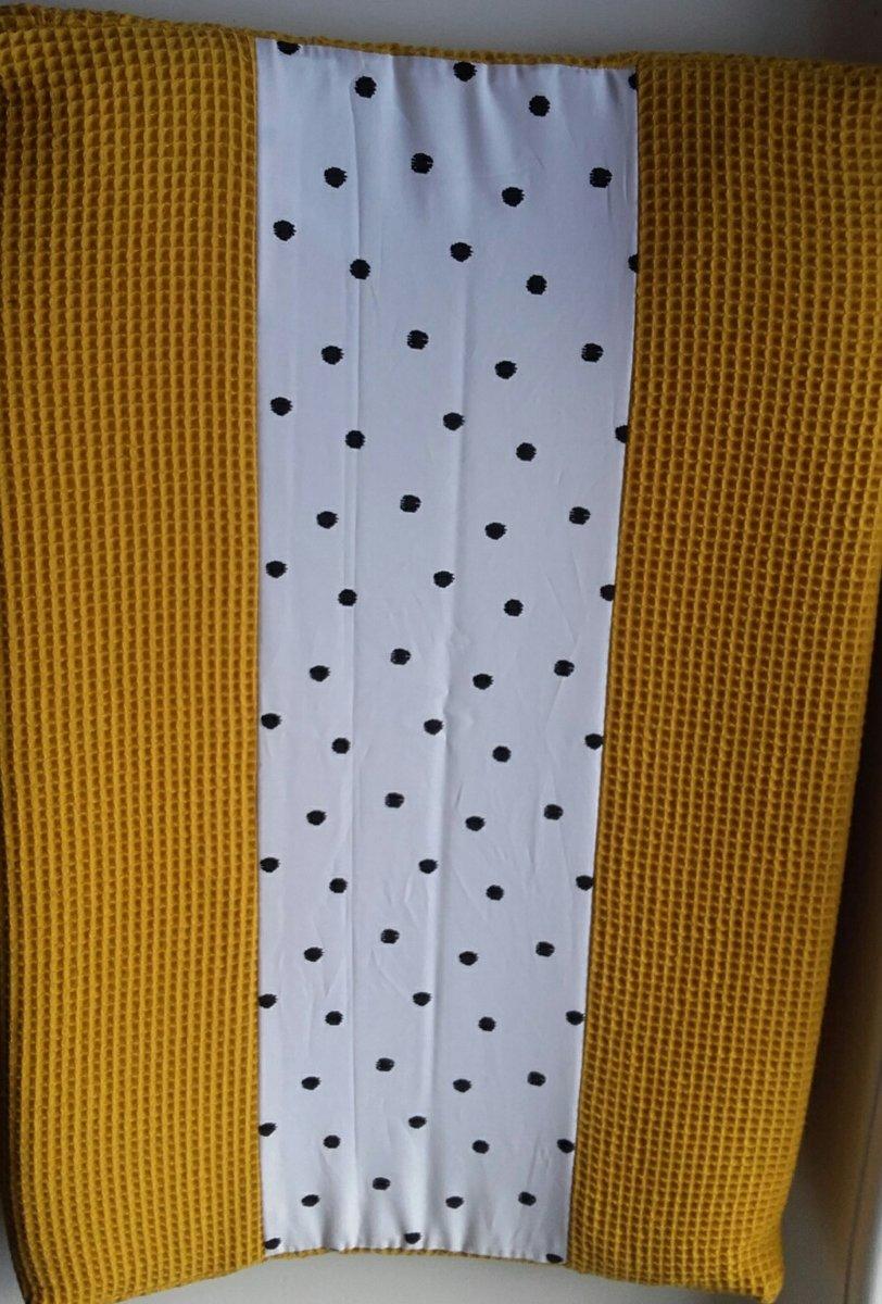 Aankleedkussenhoes (oker geel/wit/zwarte dots)