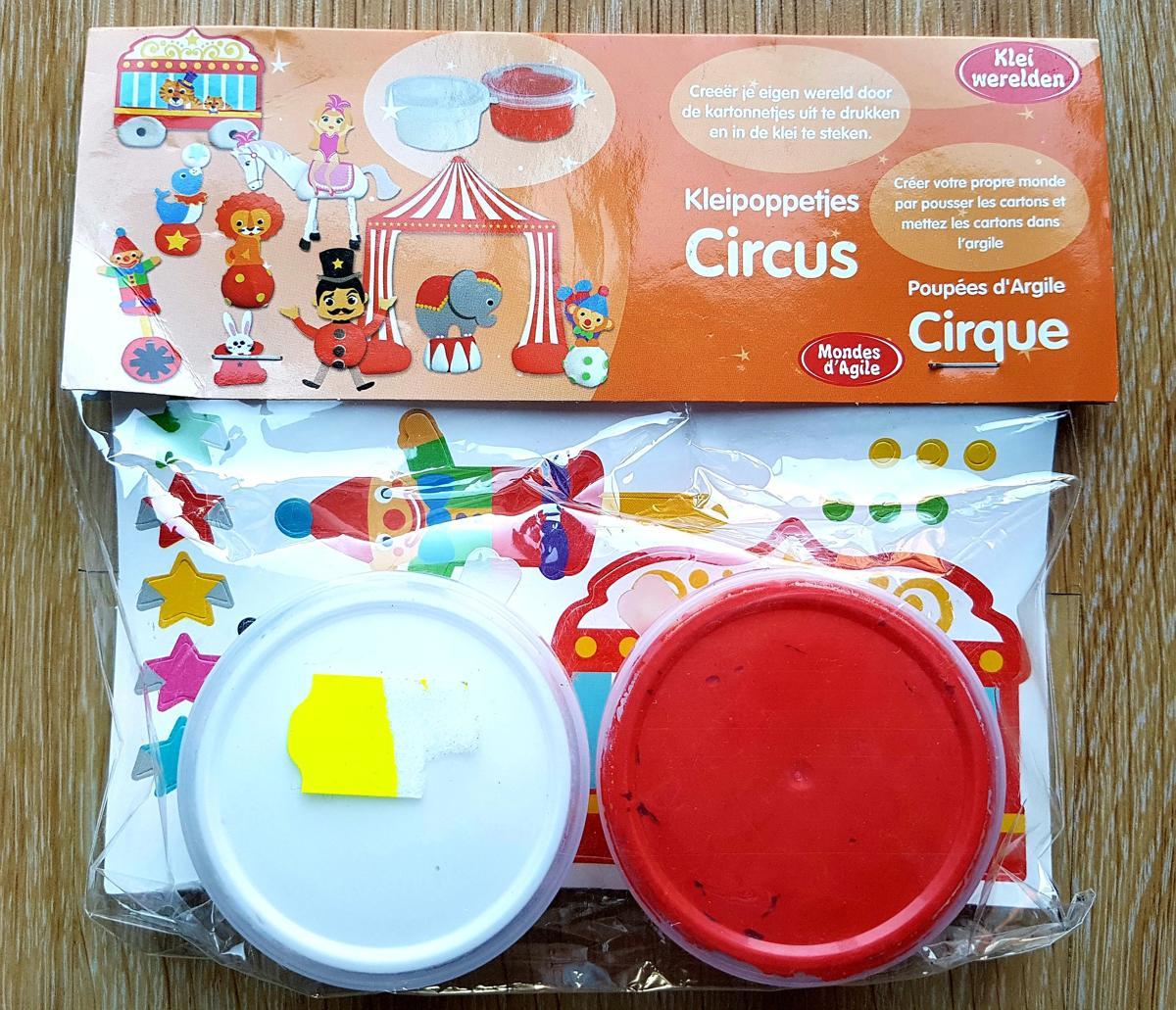 Klei werelden, Klei poppetjes Circus