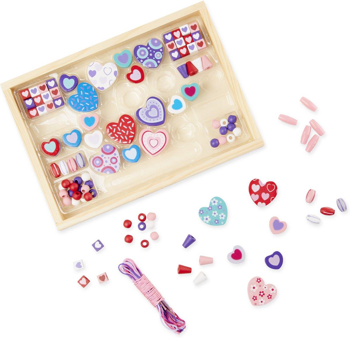 Melissa & Doug Schattige houten hartvormige kralenset met +120 kraaltjes en 5 koordjes voor het maken van sieraden kopen