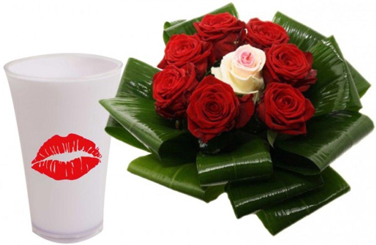 Liefde boeket rode rozen in luxe vaas met opdruk lips kopen