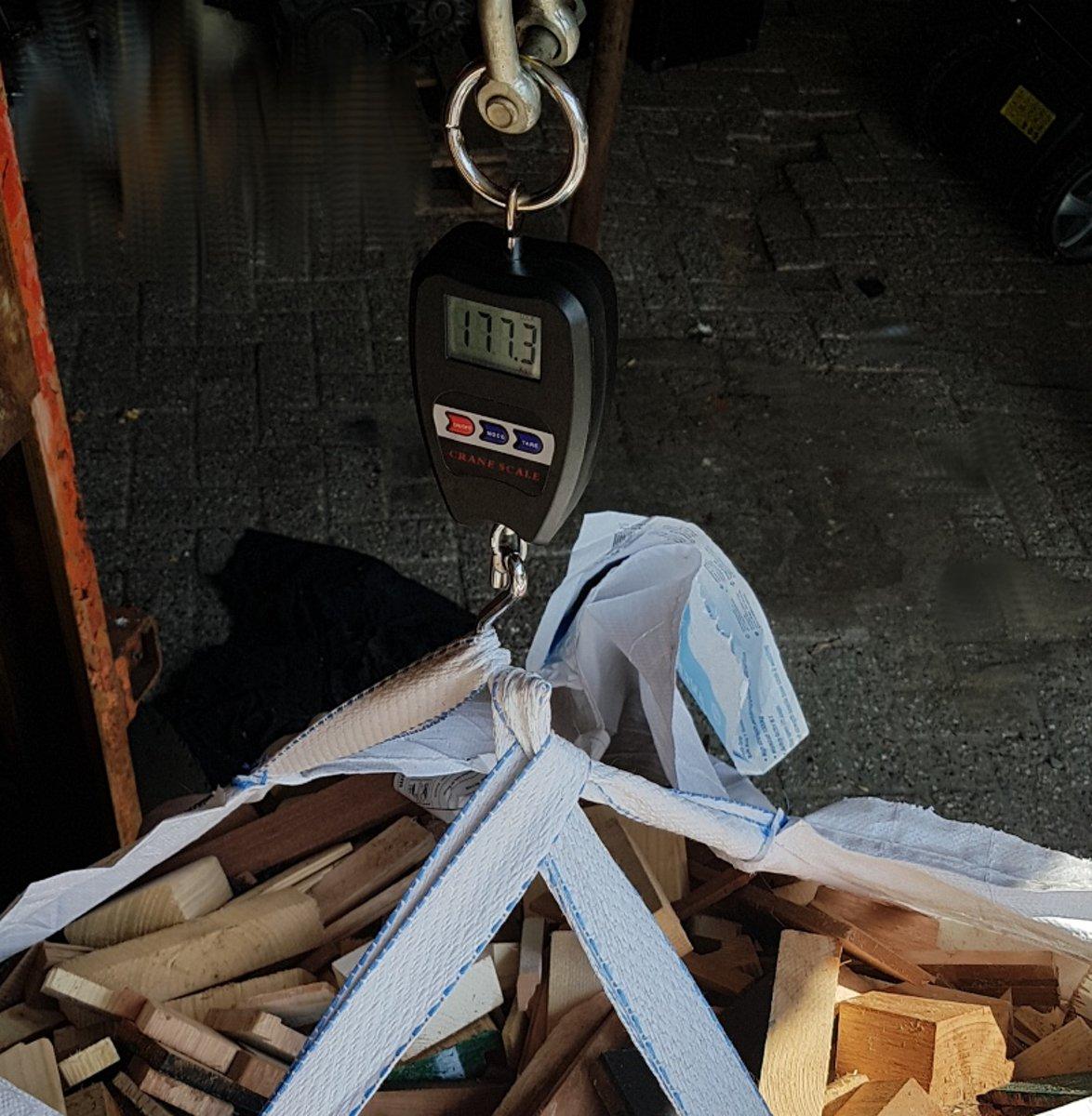 Digitale kraanweegschaal hangweegschaal weegt tot ruim 200kg hang weegschaal crane scale kopen