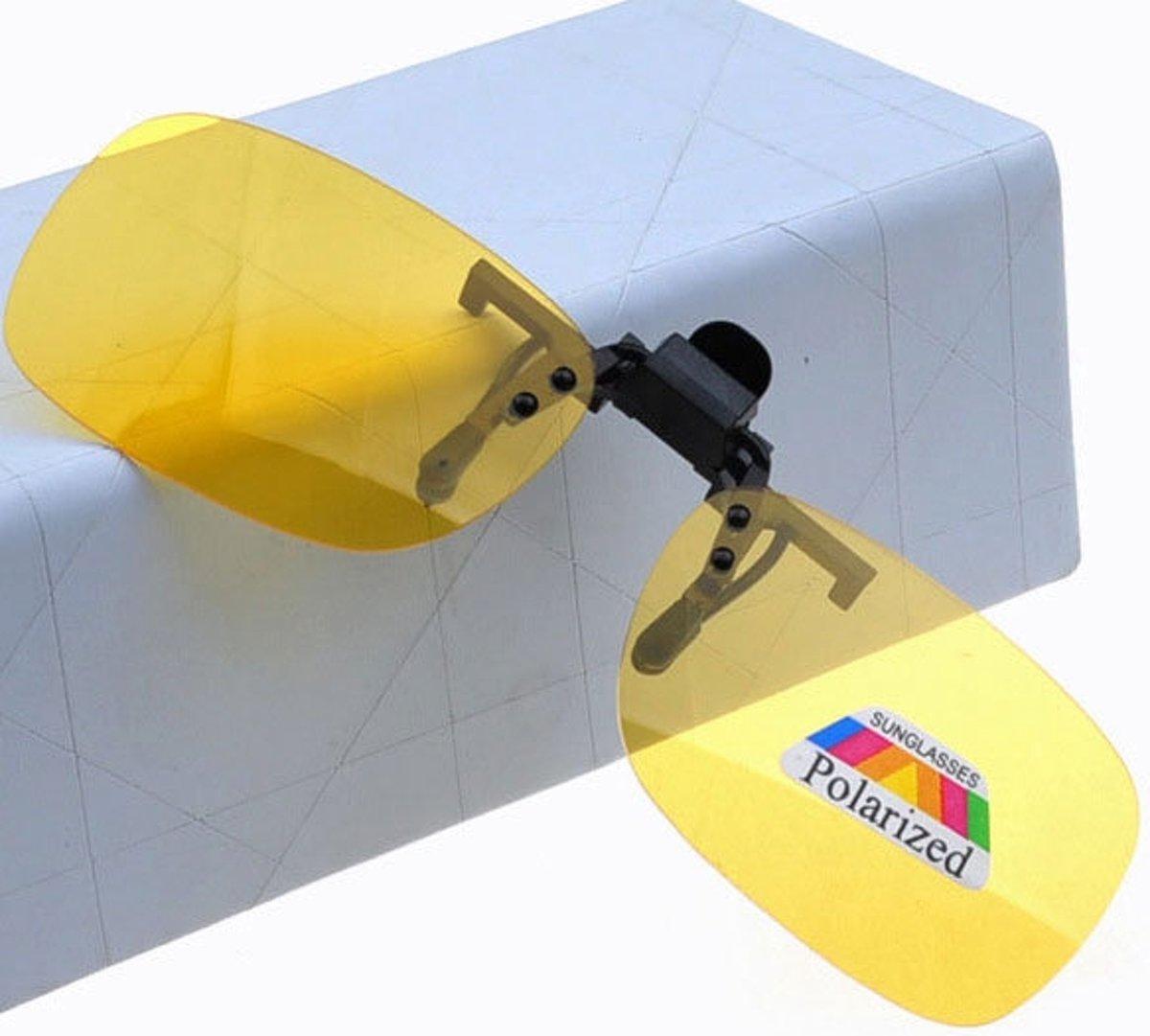 ecf4747fef1762 Clip On Voorzet Zonnebril - Rechthoek Model - Geel - Maak van je gewone  bril een