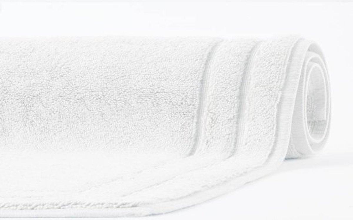 Aquanova Badmat RIGA White-43 (afm 70x120) kopen