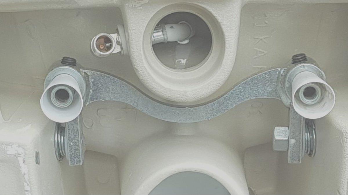 Toilet Met Sproeier : Bol sanitear thor hangend toilet met bidet functie