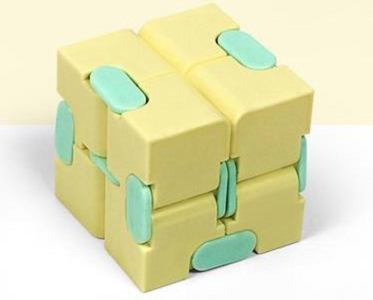 Fidget Kubus Infinity Cube Magic Finger Spinner   Friemelkubus   Geel