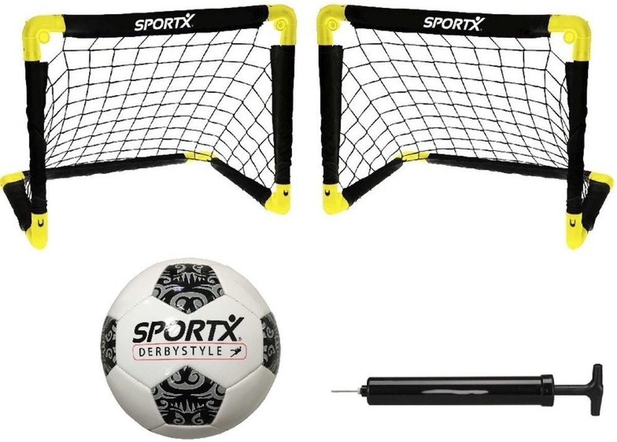 Set van 2 opvouwbare voetbaldoelen 90 x 59 x 61 cm / met voetbal en ballenpomp - Complete voetbalset kopen