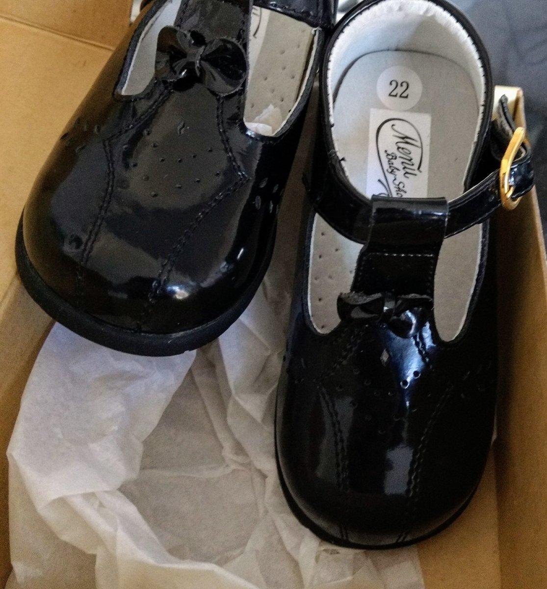 Menu Apprendre Chaussures En Cuir Pour Bébé Verni Noir nzWkW