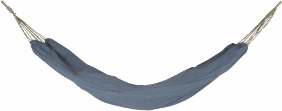 mooie blauwe hangmat uit Scandinavië gemaakt van jeansstof