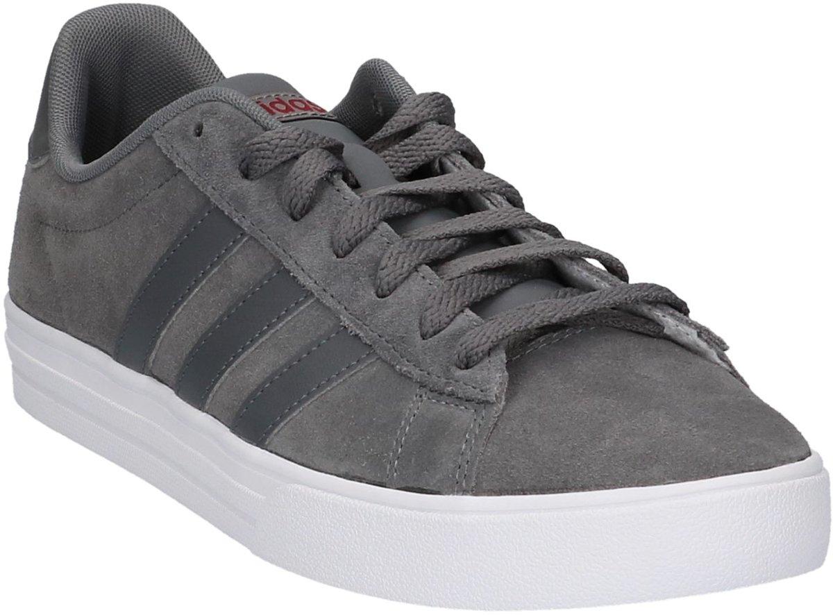 fd61ae68e28 bol.com | Adidas - Daily 2.0 - Sneaker laag sportief - Heren - Maat 46 -  Grijs;Grijze - Grey Four